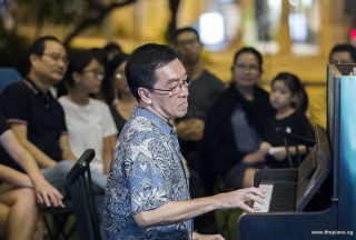 Pianovers Meetup #102, Chris Khoo performing