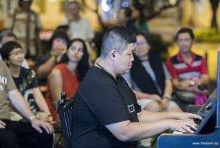 Pianovers Meetup #104, John performing