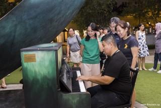 Pianovers Meetup #104, John playing