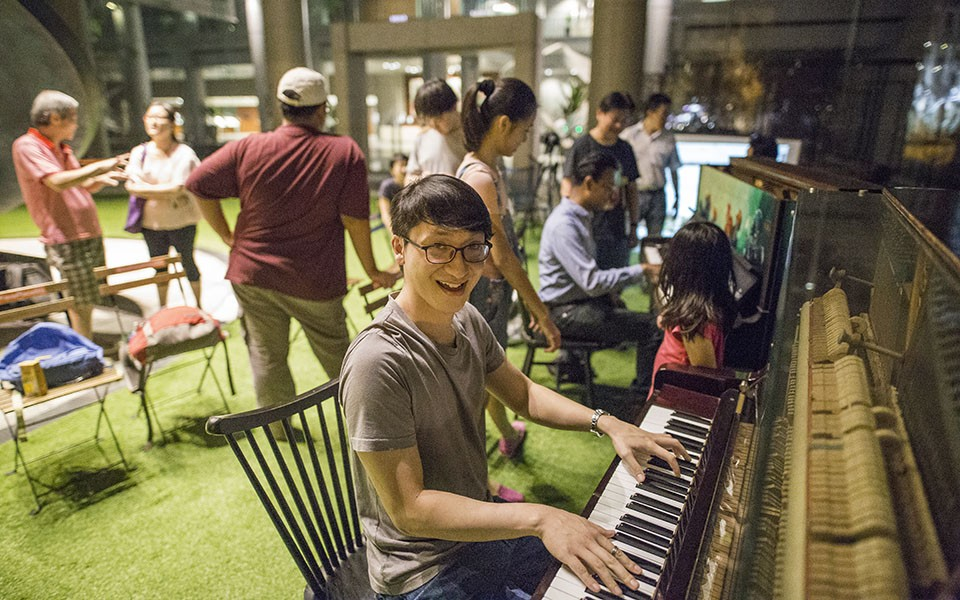 Pianovers jamming in Meetup #30