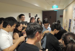 "NUS Piano Ensemble Alumni Concert on 09 January 2016, Playing the ""Guess the composer"" game"