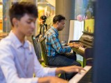 Pianovers Meetup #5, Peter Prem (background), and Joshua Peter (foreground)