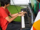 Pianovers Meetup #6, Harith plays