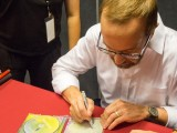 Interview with Kevin Kern 2016, Kevin Kern signing autograph