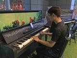 Pianovers Meetup #8, Ong playing