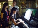 ThePiano.SG Teachers Outing #3, Liew Hui Jie plays while Pauline Tan and Sng Yong Meng look on