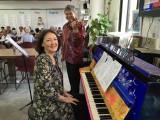 People having fun at Play Me, I'm Yours Singapore tour, Elena Mechka and Darin Varbanov