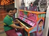 People having fun at Play Me, I'm Yours Singapore tour, Raviraj Raj and Vidyasagar