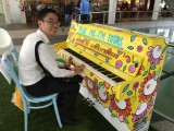 People having fun at Play Me, I'm Yours Singapore tour, Ang Wei Xian, Adrian