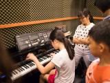 Pianovers Meetup #15, Rene having fun