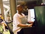 Pianovers Meetup #17, Keenan performing