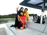 Pianovers Sailaway 2016, Eric Teo and family on the flybridge
