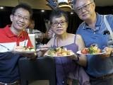 Pianovers Sailaway 2016, Buffet dinner, Lawrence, Siok Hua, and Jing Lin