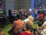 Pianovers Meetup #33, with Adam Gyorgy, Adam giving a demonstration