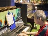 Pianovers Meetup #44, Albert performing
