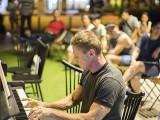 Pianovers Meetup #44, Kris performing