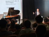 Pianovers Recital 2017, Sng Yong Meng giving a commentary