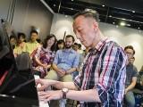 Pianovers Meetup #70, Teik Lee performing