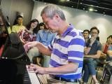 Pianovers Meetup #70, Albert performing