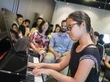 Pianovers Meetup #70, Erika performing