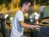 Pianovers Meetup #76, Max Zheng performing