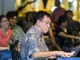 Pianovers Meetup #79, Chris Khoo performing