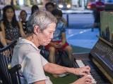 Pianovers Meetup #89, Albert performing