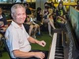 Pianovers Meetup #90, Albert performing