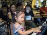 Pianovers Meetup #93, Gwen performing