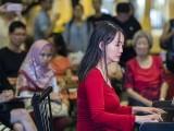 Pianovers Meetup #106 (Christmas Themed), GladDana Hu performing
