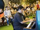 Pianovers Meetup #111, John performing