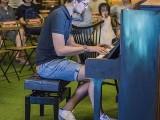 Pianovers Meetup #113, Gregoire Bonnin performing