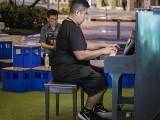 Pianovers Meetup #133, John playing