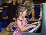 Pianovers Meetup #134, Gwen performing