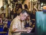 Pianovers Meetup #137 (Halloween Themed), Chris Khoo performing