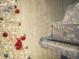 Pianovers Meetup #139, Piano with Christmas tree