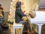 Pianovers Meetup #139, Desiree Abdurrachim performing