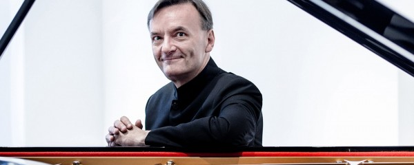 Subscription Concert: Stephen Hough - Rachmaninov Piano Concerto 1
