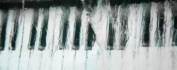 piano keyboard in ice