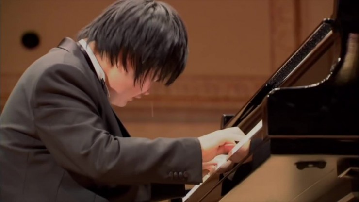 """Blind Pianist Nobuyuki Tsujii Cries While Playing """"Elegy For The Victims Of The Tsunami Of March 11, 2011 In Japan"""""""