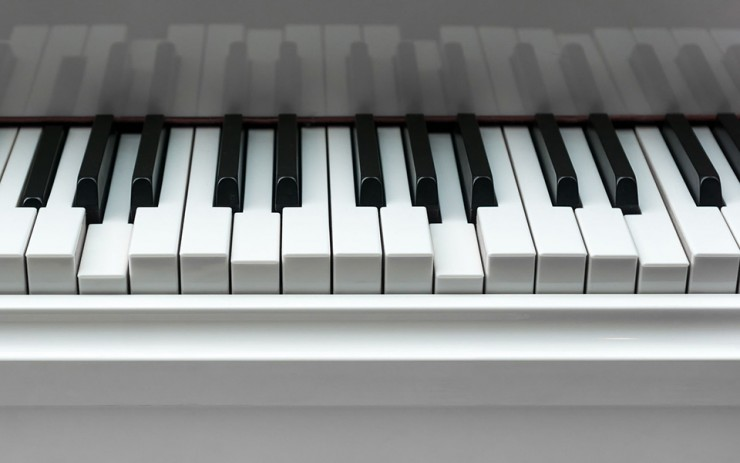 7 Most Common Causes Of Sticky Piano Keys | ThePiano SG