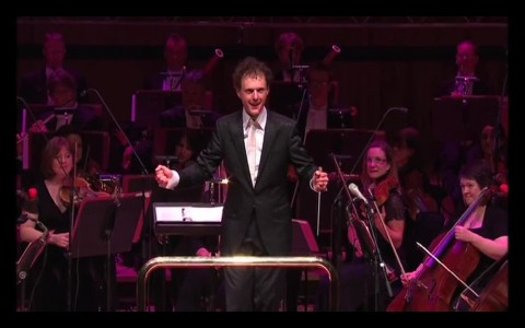 Rainer Hersch performs a Waltz based on Microsoft Windows XP sounds with the Philharmonia Orchestra