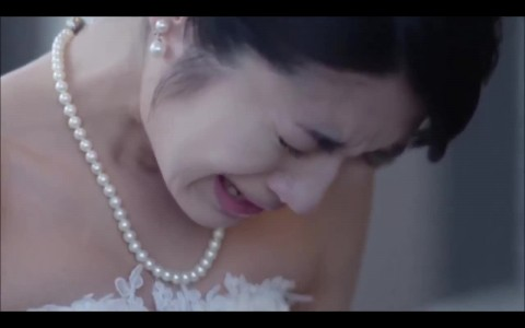 Bride cries when her non-pianist father plays Canon in D