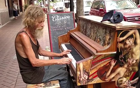 Video Of A Homeless Man Playing Piano In Public Went Viral And Gave Him A Second Chance In Life