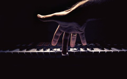 Playing The Piano Underwater | ThePiano SG