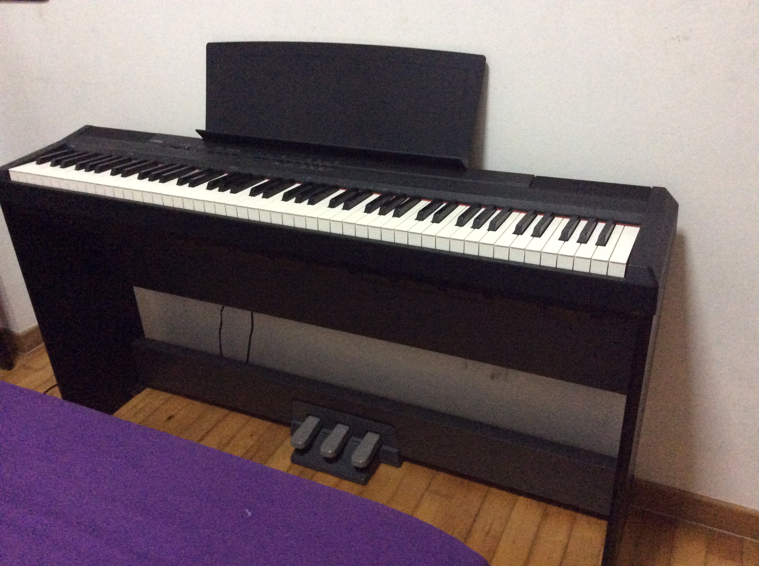 yamaha p 105 used piano thepiano sg. Black Bedroom Furniture Sets. Home Design Ideas