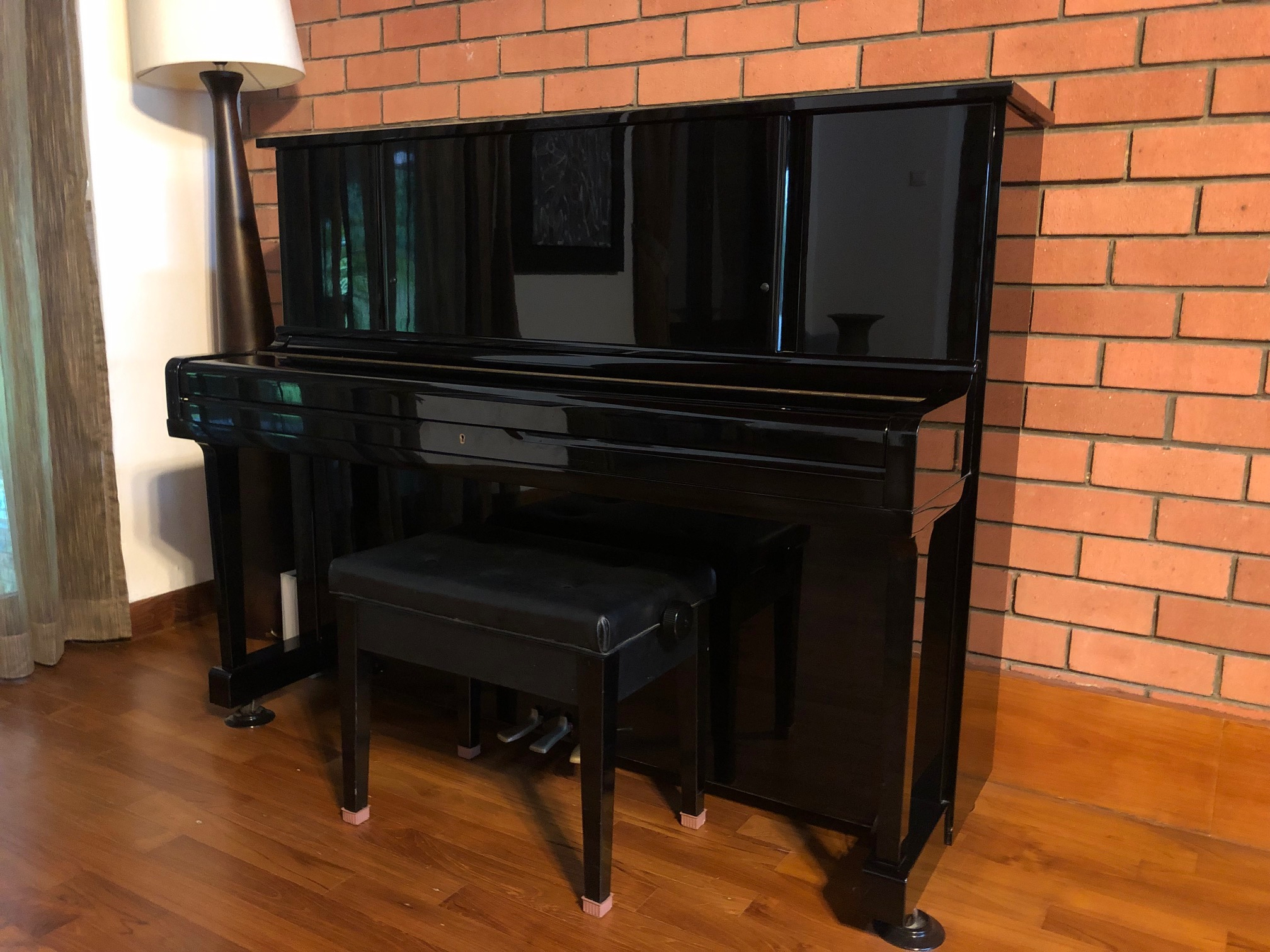 yamaha wx 1 used piano thepiano sg. Black Bedroom Furniture Sets. Home Design Ideas